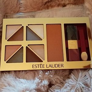 Estee Lauder Soft Neutrals Deluxe Pallet 💕💞
